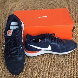 Nike Jacquard Dot Sneakers